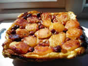 Italian recipes – Tarte Tatin with apples, bananas and hazelnuts